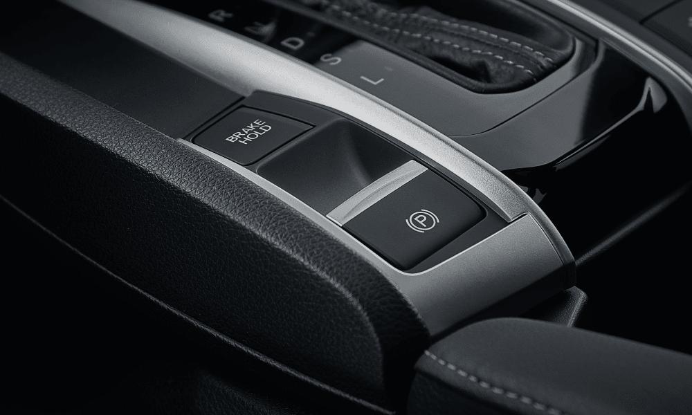 honda-civic-sedan-interieur-2